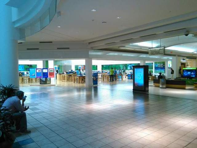 Microsoft Retail Store San Juan Puerto Rico - Love My Surface